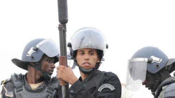 Deux policiers blessés au cours d'un accrochage avec des manifestants à Arafat