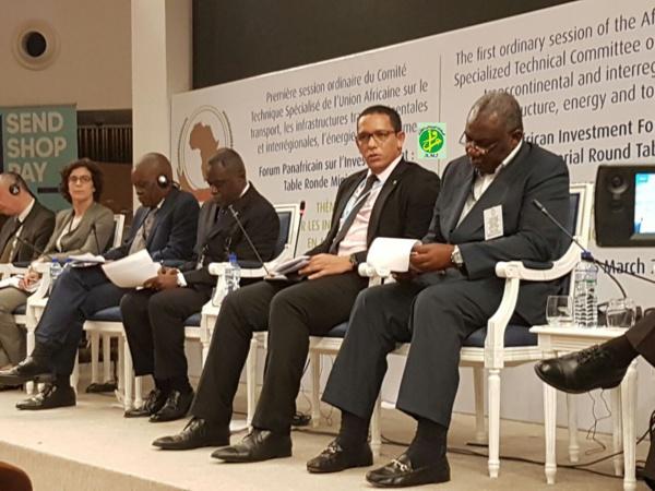 Le ministre du Pétrole expose le climat des affaires et de l'investissement dans notre pays