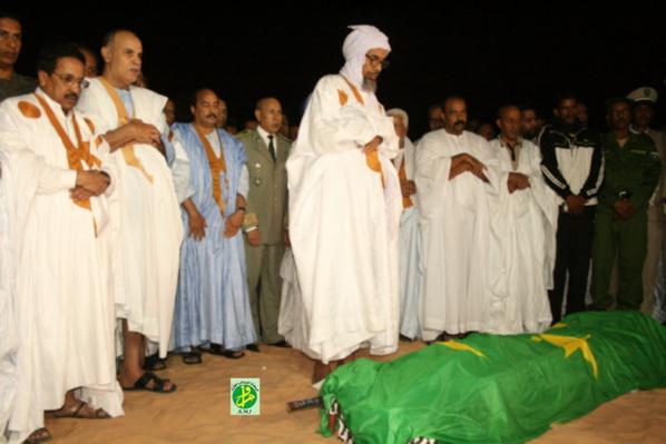 Le Président de la République accueille la dépouille de l'ancien Président Feu Ely Ould Mohamed vall
