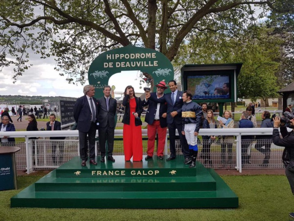 Signs Of Blessing, le cheval d'Ahmed Ould Mouknass, gagne le prix de Deauville