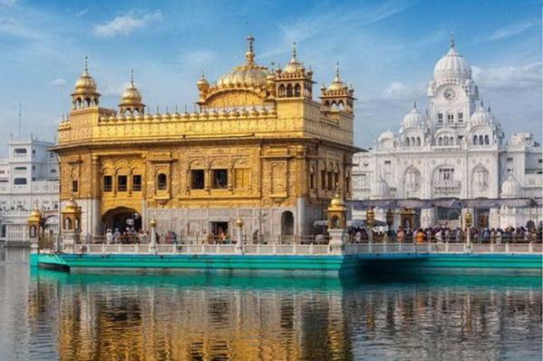 Le ministre délégué auprès du ministre de l'économie et des finances chargé du budget se rend en Inde
