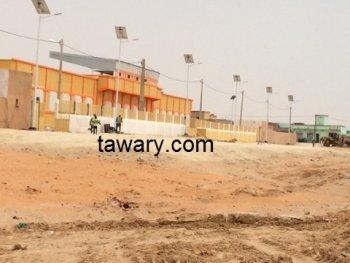 Derniers coups de pinceaux sur le stade de Mellah avant la campagne référendaire (Photoreportage)