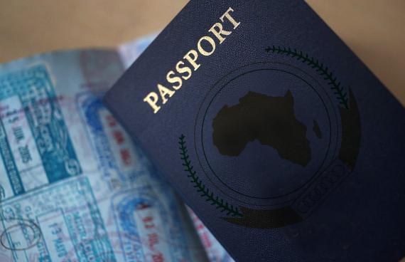 Les autorités mauritaniennes retiennent illégalement le passeport du Président de l'IRA Mauritanie, Biram Dah Abeid