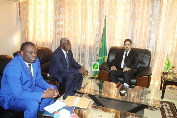 Le ministre de la Culture reçoit une mission du comité de coordination pour le développement et la promotion de l'artisanat africain