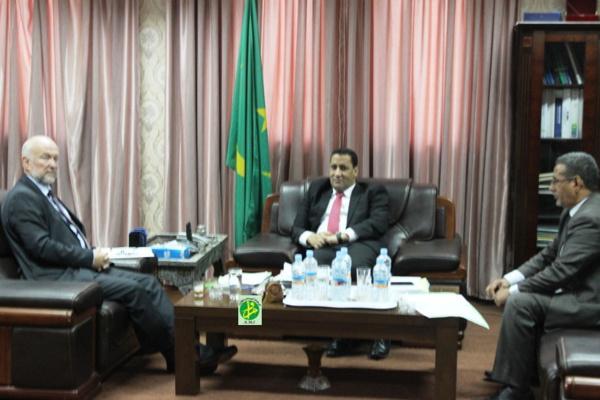Le ministre de l'Economie et des Finances reçoit le représentant résident du PNUD