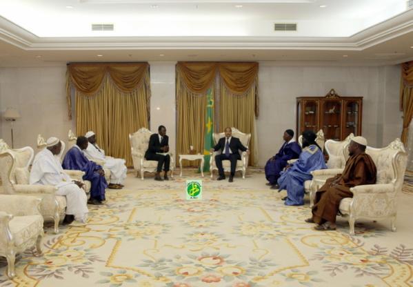 Le Président de la République reçoit des Cheikhs de mahadras et des imams de mosquées de la wilaya du Guidimakha