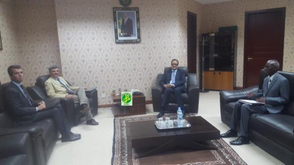 Le ministre des Affaires étrangères reçoit l'ambassadeur chef de la délégation de l'Union européenne