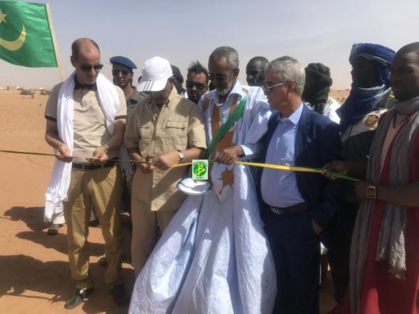 Le directeur général de l'Agence Nationale Tadamoun inaugure un centre médical et un barrage dans le village d'Agmeimine