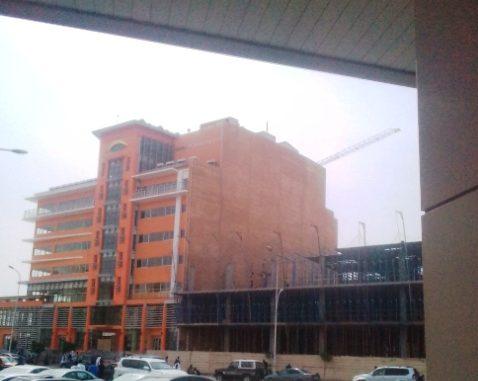 Quand le bâtiment va…rien ne va.