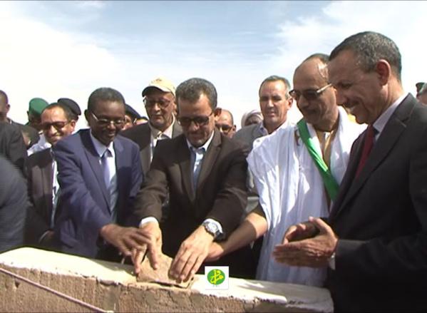 Le Ministre de l'Hydraulique supervise le lancement de la deuxième tranche du projet d'alimentation en eau potable de 150 localités