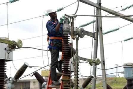 Le Président de la République pose la première pierre de ligne électrique Boghé-Aleg