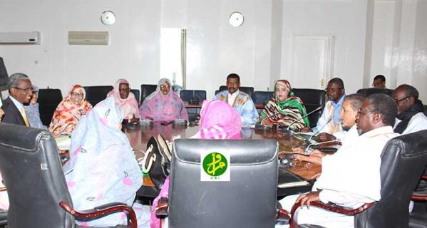 La commission de la justice discute de l'Assemblée Nationale le projet de loi fixant les modalités de recomposition du conseil constitutionnel
