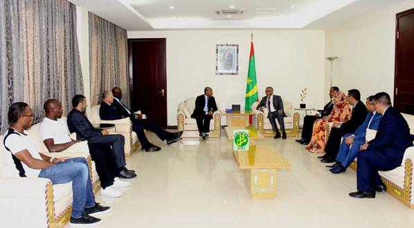 Le premier ministre reçoit le président de la Confédération Africaine de Football