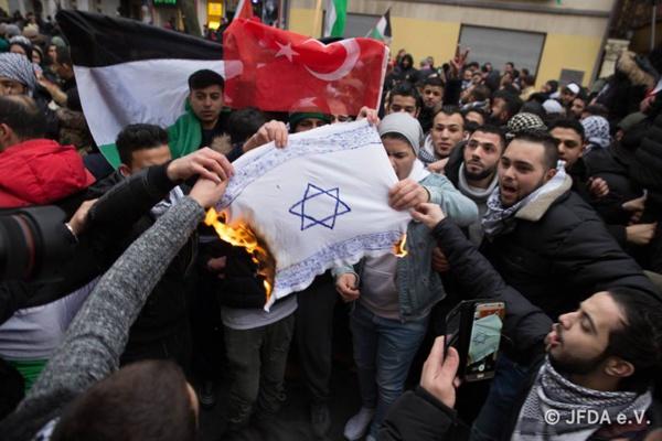 """""""Honte"""" de Berlin après des manifestations anti-israéliennes"""