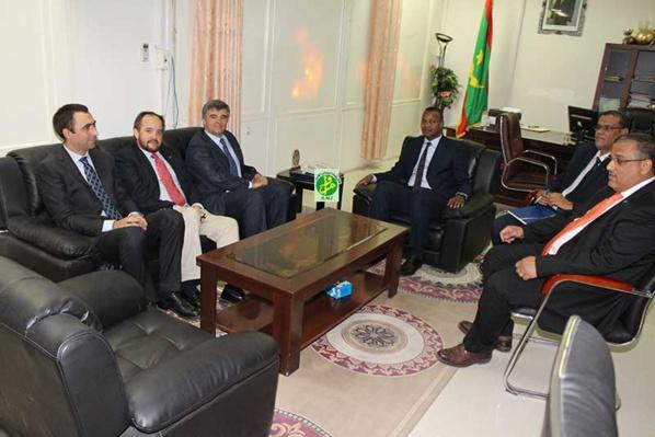 Le ministre de la jeunesse et des sports reçoit le chef de la mission de l'Union Européenne en Mauritanie
