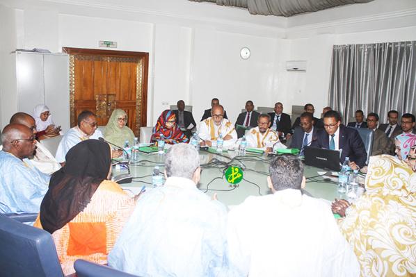 La commission des finances de l'Assemblée Nationale discute le projet de budget du ministère du pétrole