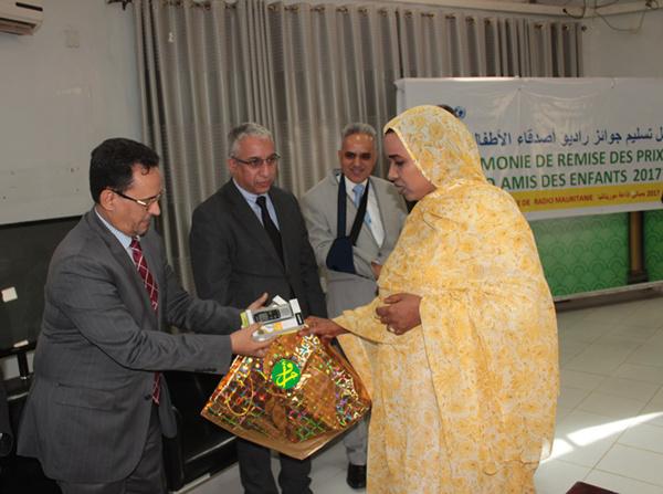 """Radio Mauritanie organise une cérémonie de remise des prix du concours """"Radio amis des enfants"""""""
