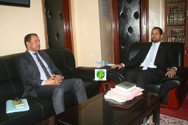 Le ministre des affaires islamiques reçoit en audience l'ambassadeur égyptien