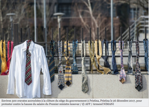 300 cravates au PM kosovar après sa décision de doubler son salaire