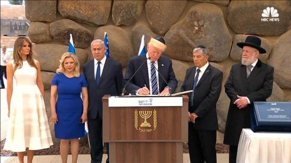 """Menaces de Trump: Jérusalem """"n'est pas à vendre"""", réplique la présidence palestinienne"""