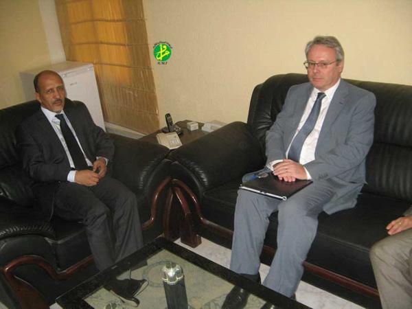 Le ministre de l'Education Nationale reçoit l'ambassadeur de France