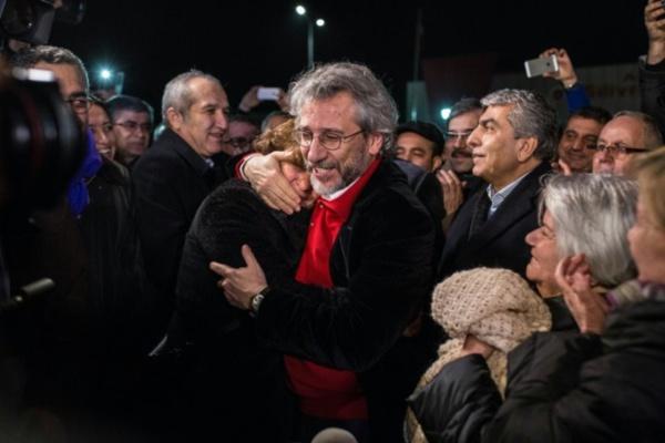 La cour constitutionnelle turque ordonne la libération de deux journalistes