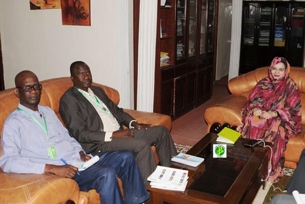 La ministre des Affaires sociales reçoit une délégation de l'ONG OXFAM