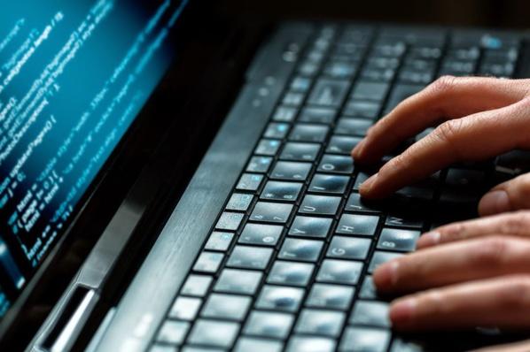Prague extrade vers les Etats-Unis un hacker russe soupçonné de cyberattaques