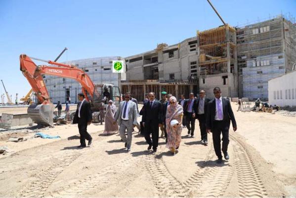 Le Chef de l'État s'enquiert de l'état d'avancement des travaux du nouveau centre des conférences de Nouakchott
