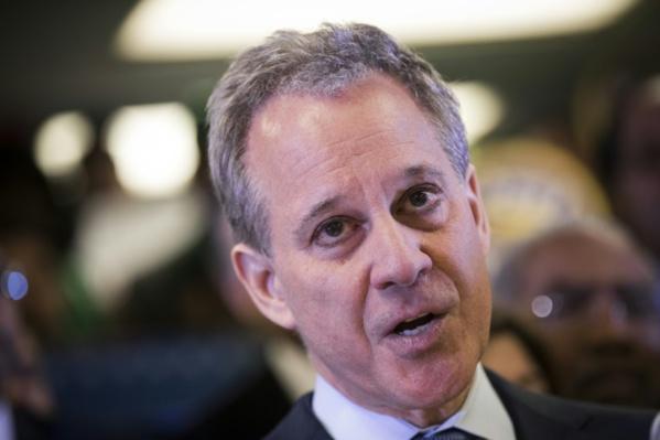 Le procureur de l'Etat de New York, accusé de violences, démissionne