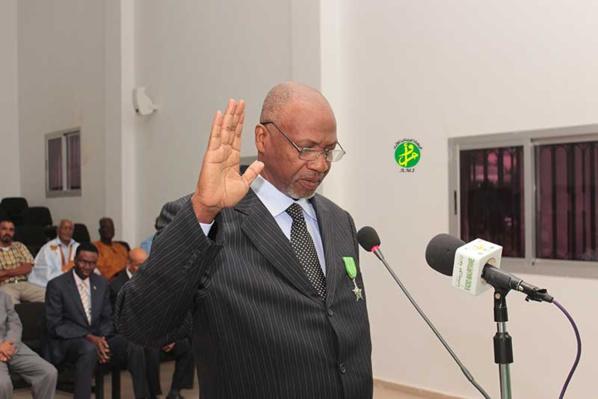 Le secrétaire général de la commission électorale nationale indépendante prête serment