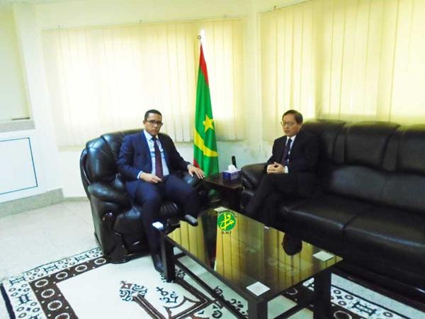 Le ministre du pétrole et de l'énergie s'entretient avec l'ambassadeur de Chine