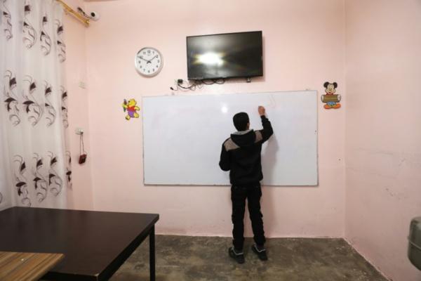 """En Syrie, """"réparer les lionceaux du califat"""" par l'écoute et la """"morale"""""""