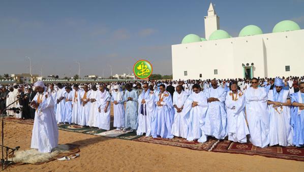 Le Président de la République effectue la prière de l'Aïd El Ad'hâ à la Mosquée Ibn Abass