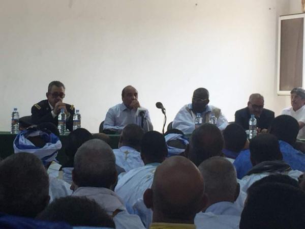 Ould Abdel Aziz tient une réunion avec les cadres de Rosso
