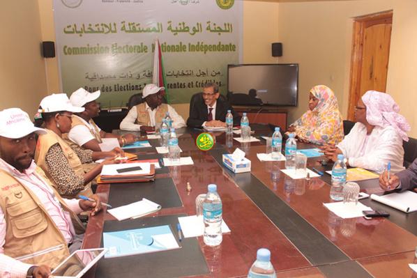 Le président de la commission électorale nationale indépendante reçoit une délégation d'observateurs de l'Union africaine