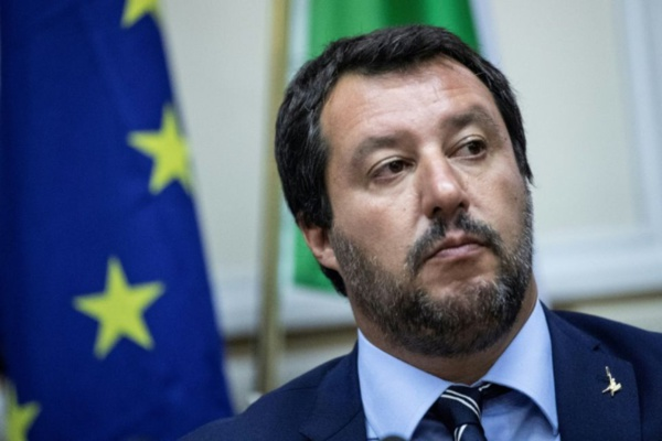 Libye: Salvini charge la France et se dit prêt à retourner à Tripoli