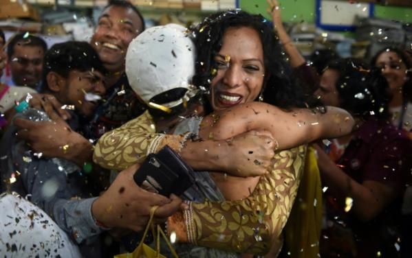 Cris, larmes de joie: dépénalisation historique de l'homosexualité en Inde