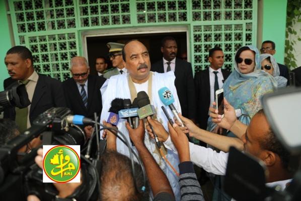 Le Président de la République et son épouse s'acquittent de leur devoir civique au 2ème tour des élections municipales,législatives et régionales
