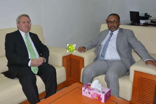 Examen des perspectives de développement de la coopération entre les hommes d'affaires mauritaniens et leurs homologues français