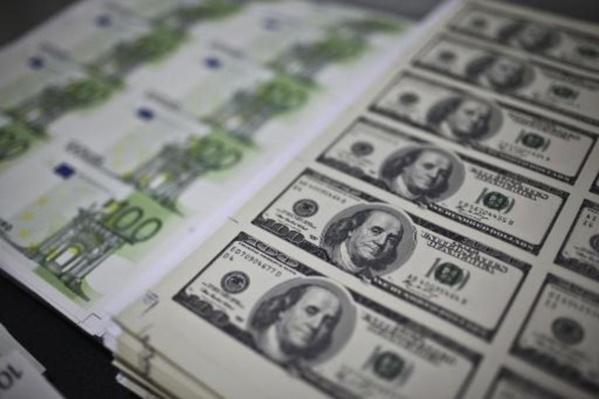 L'euro se renforce face au dollar, les tensions commerciales s'apaisent