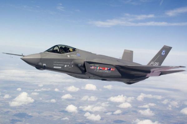 Première mission de combat pour des chasseurs F-35 américains