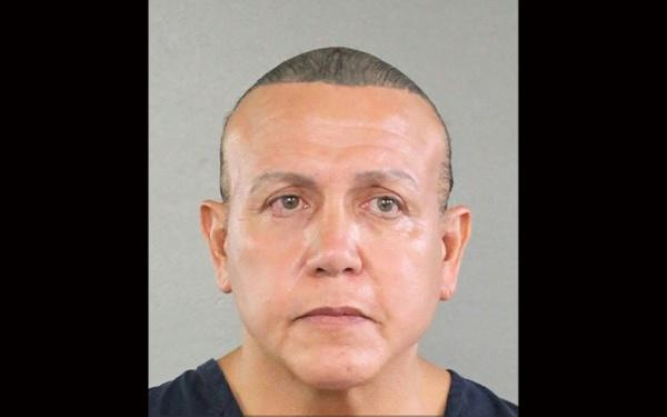 Colis suspects: un sympathisant pro-Trump inculpé en Floride
