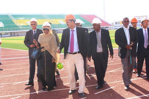 La ministre de la jeunesse effectue une visite au complexe olympique de Nouakchott