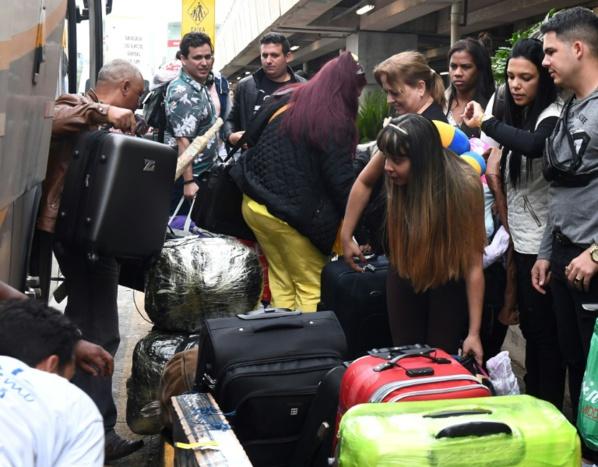 Les médecins cubains commencent à quitter le Brésil