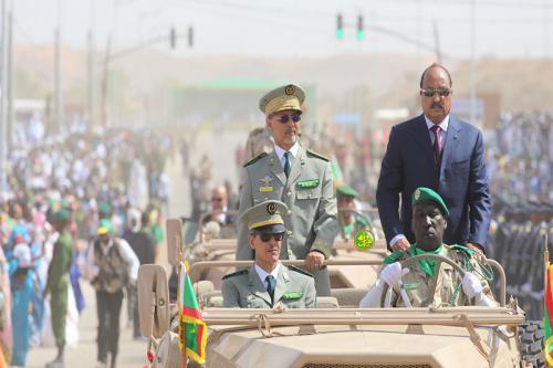 Le Président de la République supervise à Néma un défilé militaire pour la célébration du 58e anniversaire de l'indépendance nationale