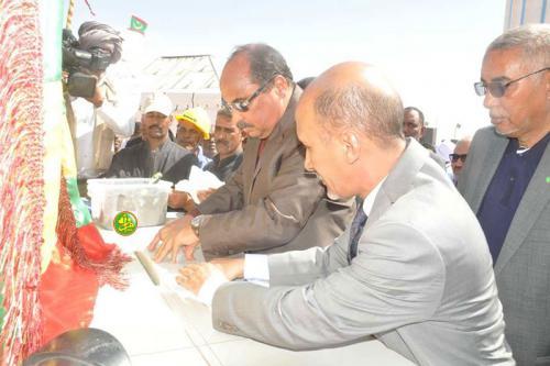 Le Président de la République supervise la pose de la première pierre de la 2e phase du projet Dhar