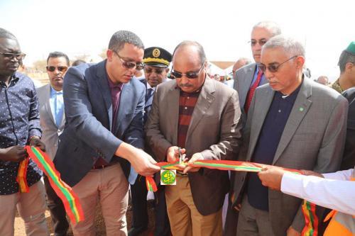 Le Président de la République supervise à Timbedra le lancement des composantes 2, 3 et 4 du Projet de développement de l'énergie électrique dans la zone Est