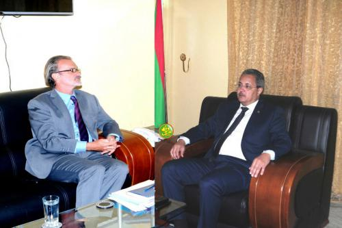 Le commissaire aux droits de l'Homme s'entretient avec le représentant du haut commissariat de l'ONU aux DH