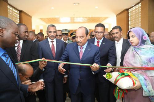Le Président de la République ouvre l'exposition organisée en marge de la conférence des « Mauritanides »